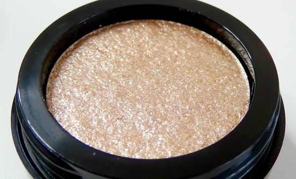 Makeup Revolution Metallic EyeShadow Review