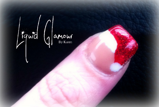 santa-hat-christmas-nails